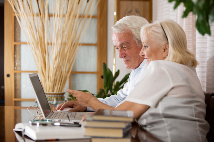Retired couple searching internet sticky 750px